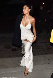 nicole s nicole scherzinger flashes pants at dirty dancing premiere daily