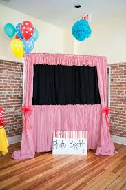 how to make a photo booth a photo booth 35 best carnival photobooth ideas images on