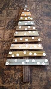 Barn Board Christmas Decorations by Imagen Relacionada Wood Plank Board Holidays Pinterest Wood