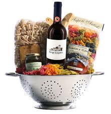 themed gift baskets italian themed gift basket in a colander with borgo scopeto