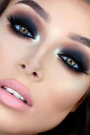Make Up smokey eye makeup