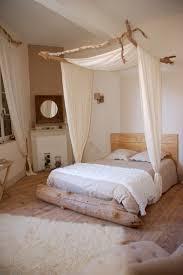 chambre adulte nature idées déco un ciel de lit pour une chambre bohème et cosy
