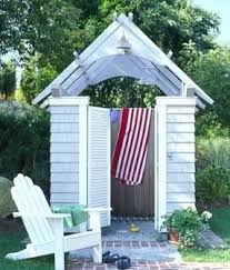 Backyard Rooms Ideas by Best 25 Pool Changing Rooms Ideas On Pinterest Pool Shower