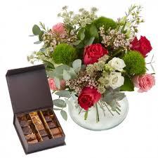 livraison de fleurs au bureau offrir fleurs et chocolats livraison chocolat avec d lys couleurs