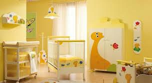 chambre b b jaune quelle décoration chambre bébé créez un intérieur magique pour