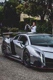 lamborghini veneno how fast driving a lamborghini veneno clean your car eco