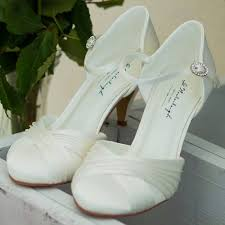 chaussures blanches mariage chaussure mariage satin ivoire ou blanc lilly