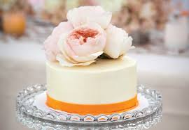 simple wedding cake decorations 9 simple wedding cakes with just one layer