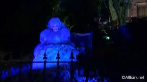 madame carlotta summons judy garland at haunted mansion mickey u0027s