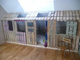 cabane fille chambre lit enfant cabane but urbantrott com
