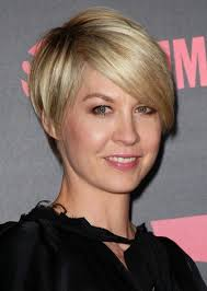 hair styles for flat fine hair for 50 year old woman short haircuts straight hair cowlick pictures of short