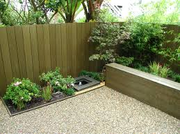 Fence Ideas For Small Backyard Tips On Build Small Backyard Landscaping Ideas Inexpensive