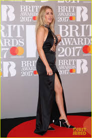 Style Ellie Goulding Ellie Goulding Ora Arrive In Style For Brit Awards 2017