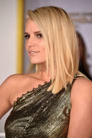 jessica simpson at the hunger games mockingjay u2013 part 1 premiere