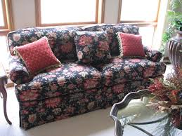 sofa flower print short notice high end furniture auction solutions inc