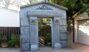 haunted house halloween decorations make a mausoleum halloween facade diy cemetery crypt youtube