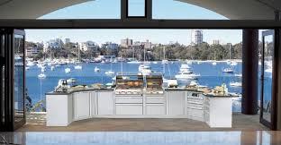 cuisine exterieure en profiter du jardin avec un barbecue un grill ou une cuisine extérieure
