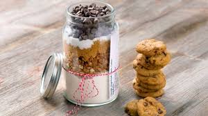 gingerbread crunch cookies in a jar nature s path