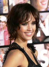 pictures of jessica alba short wavy curly bob hairstyle