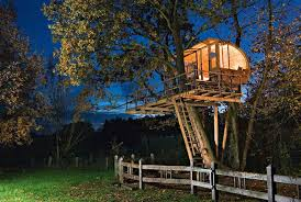 famous tree houses top 10 most amazing tree houses barcelona home