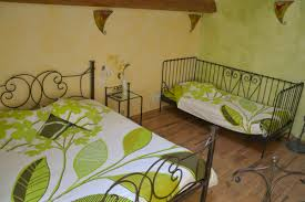 chambre fer forgé chambre d hôte de 28 m tout confort au mobilier en fer forgé lits