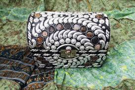 jewelry carved handmade balinese river stone alpaca silver box jewelry carved handmade balinese river stone alpaca silver gemstone floral carved home decor indian treasure chest