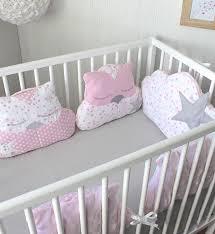 coussin chambre bébé lit coussin par lecture couette plafond neiges pour des a pingle