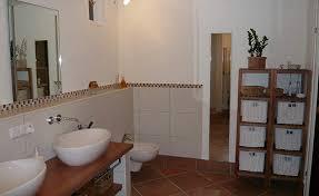 badezimmer im landhausstil bad landhausstil fliesen chic auf badezimmer landhausstil fliesen