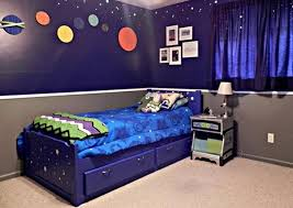 Star Wars Kids Room Decor by Star Wars Kids Bedroom With Cool Wall Mural And Single Platform