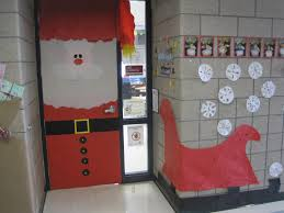 spectacular christmas door decorating ideas christmas decorating