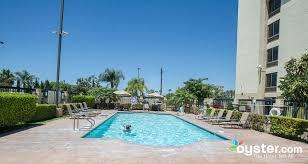Comfort Inn And Suits The Comfort Inn U0026 Suites Anaheim Disneyland Resort Oyster Com