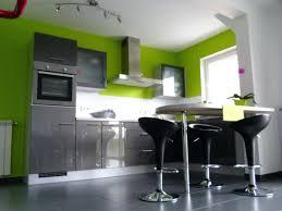 cuisine vert anis cuisine verte et grise maison design cuisine grise mur vert anis
