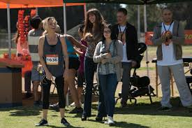 it s thanksgiving day in these new photos for modern family