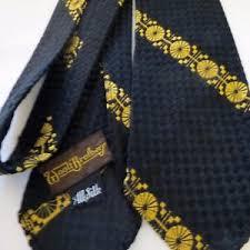 pattern black silk pack vtg rat pack mcm men s neck tie gold on black textured weave silk 52