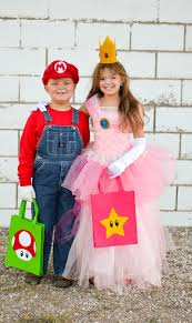 Mario Princess Peach Halloween Costume Mario Princess Peach Costumes Photoshoot Huckleberry