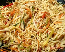 cuisiner asiatique nouilles asiatiques 2 versions végétariennes ou au poulet