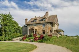 One Level Homes Toptenrealestatedeals Com U0027s Top 5 Picks Of The Week August 21 2014