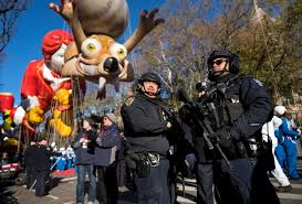 new york s macy s thanksgiving day parade kicks with