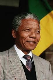 Напомним, Нельсон Мандела стал первым в истории чернокожим президентом ЮАР. Он руководил государством с мая 1994 по июнь 1999 года. - MANDELA_Nelson_Rolikhlakhla