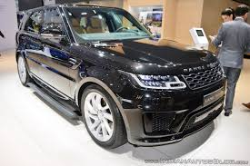 discovery land rover 2018 2018 range rover sport facelift showcased at dubai motor show 2017