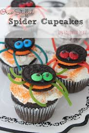 Fun Halloween Snacks For Preschoolers Oreo Stuffed Spider Cupcakes Fun For Halloween Ricetta