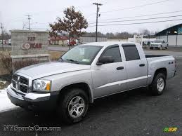 dodge dakota crew cab 4x4 for sale 2005 dodge dakota slt cab 4x4 in bright silver metallic