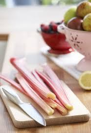 cuisiner la rhubarbe marvelous comment cuisiner la rhubarbe 3 recette rhubarbe