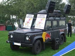 range rover modified red file land rover defender 110 redbull 60 jahre nrw fest duesseldorf