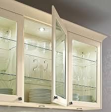 hängeschrank küche glas glasfronten und glastüren in der einbauküche