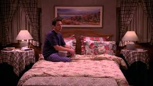 Bedroom Furniture On Everybody Loves Raymond The Breakup Tape Youtube