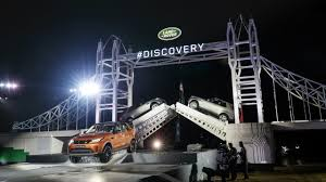 mitsubishi lego land rover breaks world record with giant lego tower bridge top gear