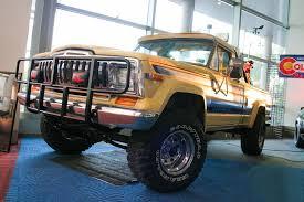 jeep pickup 90s twister helen hunt u0027s jeep n2g 613 embossed vanity license plate
