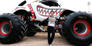 grave digger monster truck costume monster jam trucks to roar in sun bowl stadium