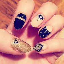 stiletto nails beautify themselves with sweet nails